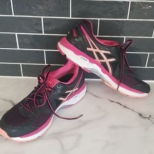 ASICS GT-2000 4 black and pink womens 10